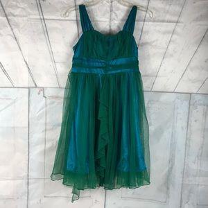 Size 14 girls sleeveless dressy dress. Color green